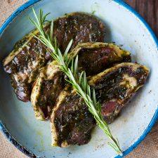 Kilnford lamb steaks in mint & rosemary sauce-3